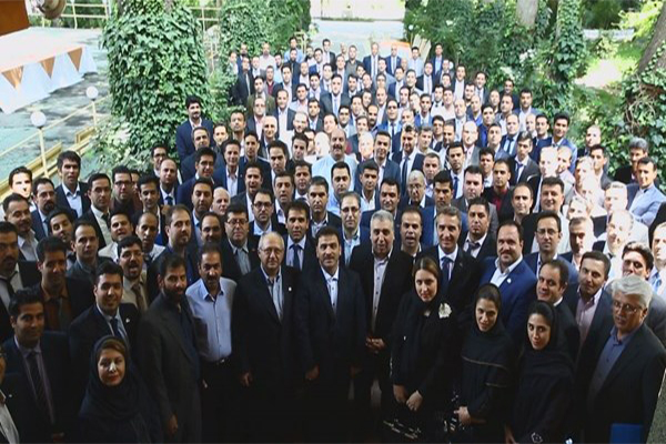 گردهمائی سراسری فروشندگان / کردان-تیر 1396
